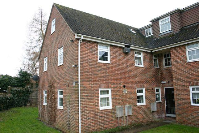 Thumbnail Flat to rent in The Laurels, Eddington, Hungerford