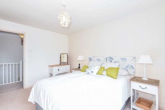 Bedroom of Saint Andrew's Road, Henley-On-Thames RG9