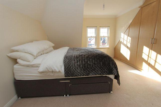 Bedroom of Arncliffe Road, West Park, Leeds LS16