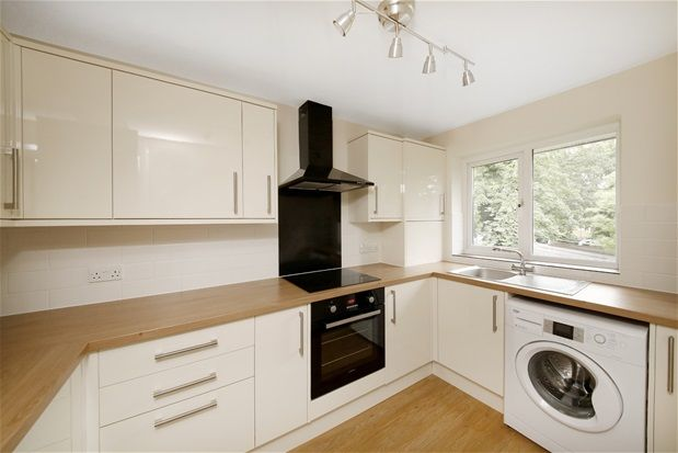 Thumbnail Flat for sale in Freethorpe Close, London