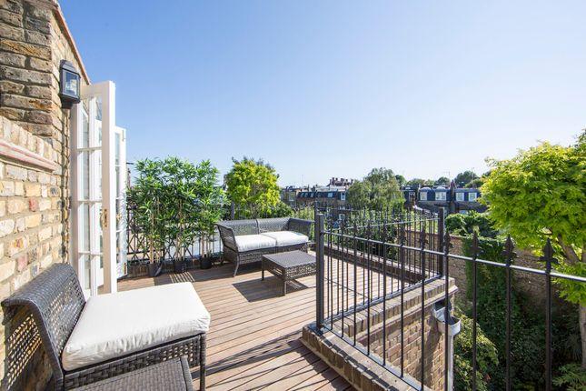 Thumbnail Flat to rent in Britannia Road, London