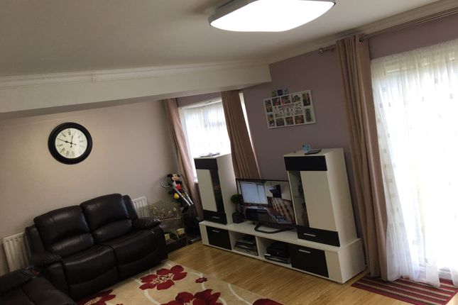 Thumbnail Flat to rent in Royston Garden, Ilford