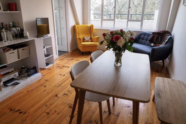 2 bed flat to rent in Westbourne Terrace, London