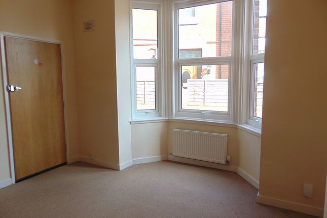 Thumbnail Flat to rent in Richmond Road, Southampton