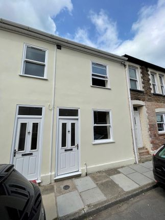 Thumbnail Property to rent in Commercial Street, Griffithstown, Pontypool