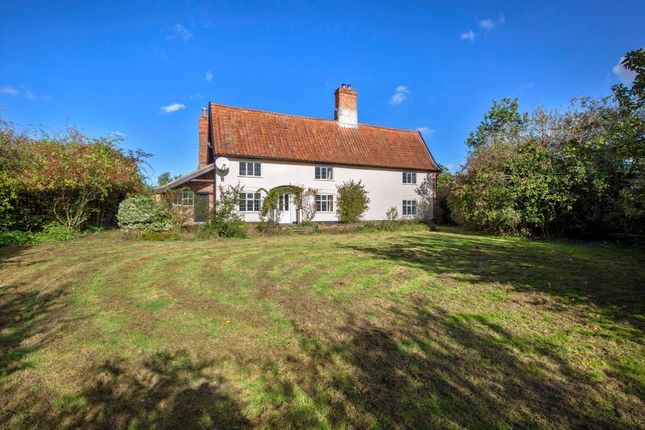 Thumbnail Farmhouse for sale in Ringsfield Common, Ringsfield, Beccles