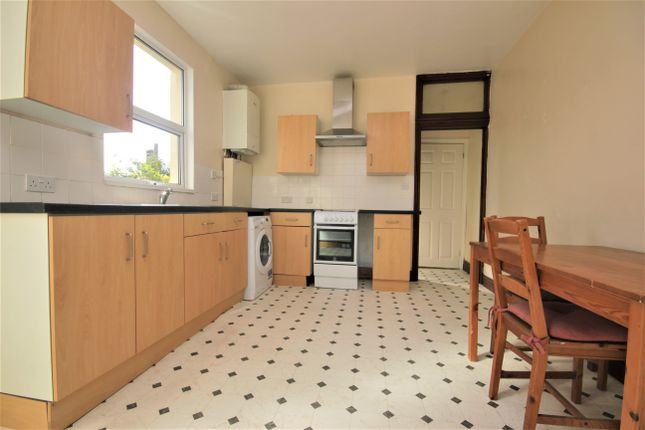 Thumbnail Flat to rent in Bradley Road, Mannamead, Plymouth