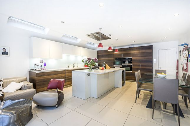 Thumbnail Terraced house for sale in Bowood Road, London