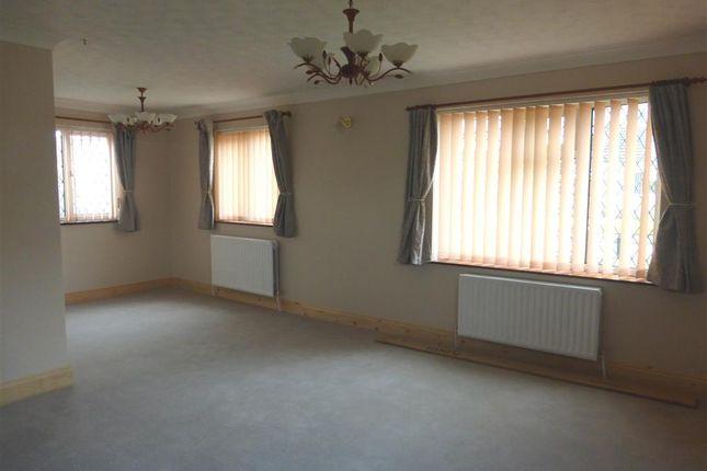 Thumbnail Bungalow to rent in Elizabeth Drive, Necton, Swaffham