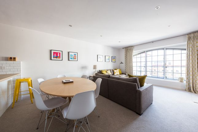 Thumbnail Flat to rent in Lafone Street, London