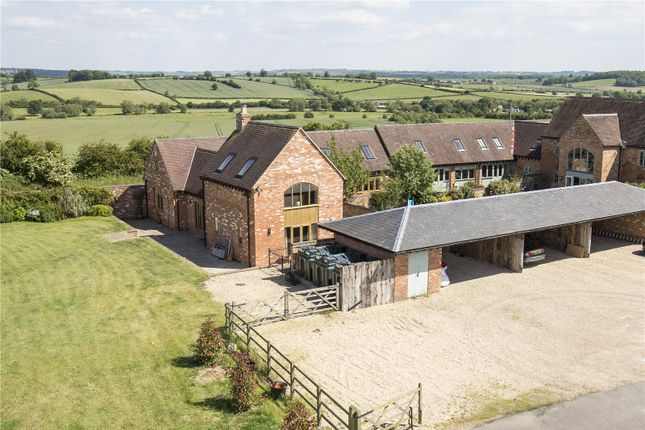 Picture No. 19 of Paddle Brook Barns, Moreton-In-Marsh, Gloucestershire GL56