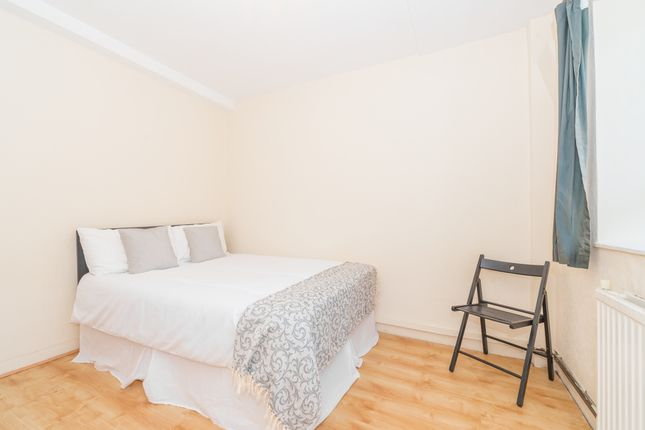 Room Available of Edgware Road, Marylebone, Central London NW8