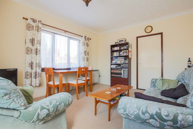 Flat for sale in George Eliot Way, Toftwood, Dereham
