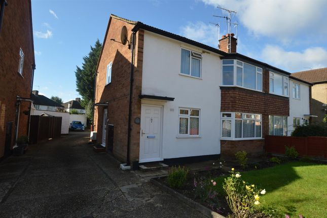 Thumbnail Maisonette for sale in New Road, Croxley Green, Rickmansworth