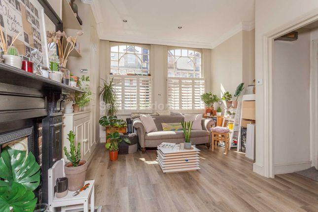 Thumbnail Flat to rent in Crockerton Road, London