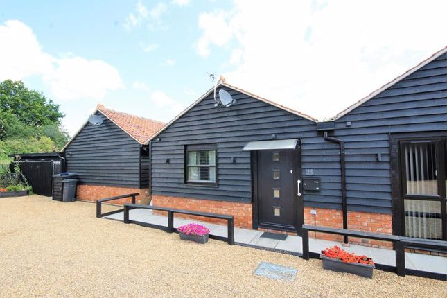 Thumbnail Barn conversion to rent in Chelmsford Road, Shenfield, Brentwood