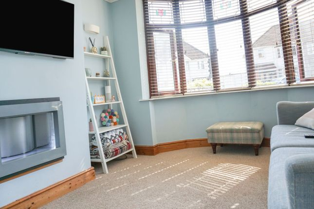 Living Room of Springfield Crescent, Solihull B92