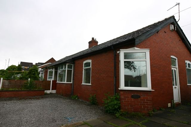 Thumbnail Semi-detached bungalow to rent in Ainsworth Road, Bury
