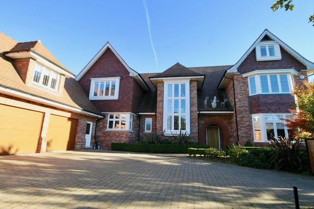 Thumbnail Detached house to rent in Oatlands, Alderley Edge