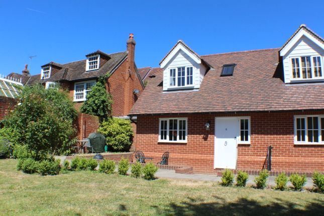 Thumbnail Cottage to rent in London Road, Canterbury
