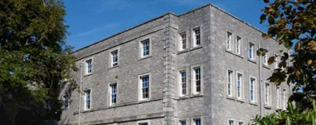 Serviced office to let in The Millfields, Plymouth