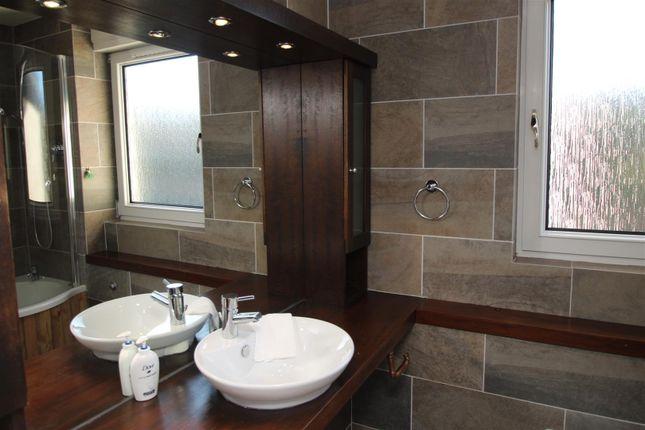 Bathroom 2 of Kingsknowe Road North, Edinburgh EH14