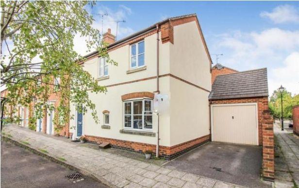 Thumbnail End terrace house to rent in Kingsgate, Aylesbury, Buckinghamshire