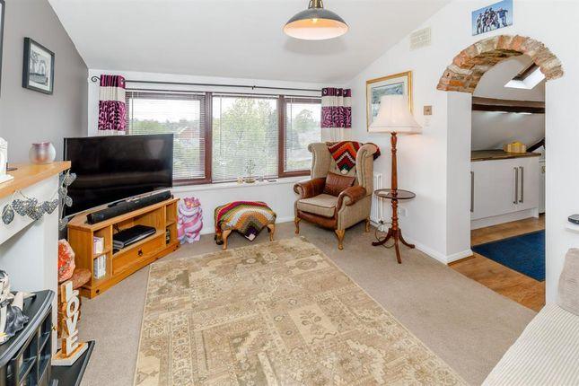 3 bedroom flat for sale in Long Street, Easingwold, York