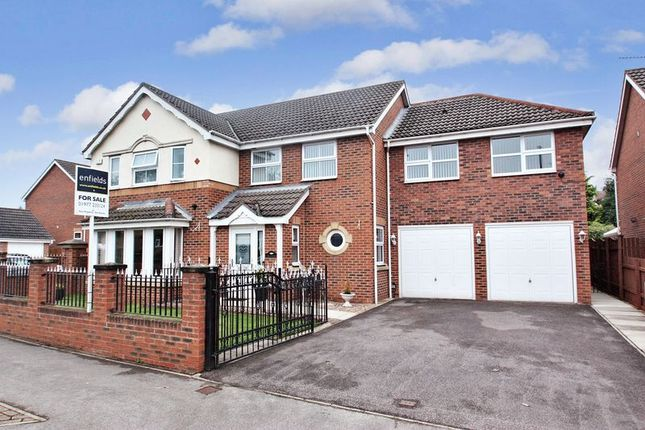 Thumbnail Detached house for sale in Valley Road, Darrington, Pontefract