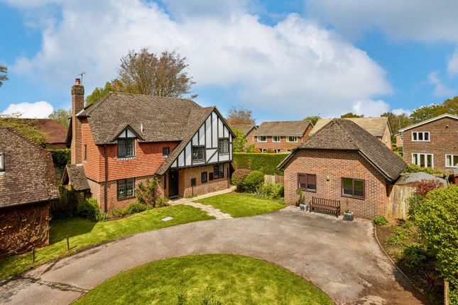Thumbnail Detached house for sale in Goldenfields Close, Liphook