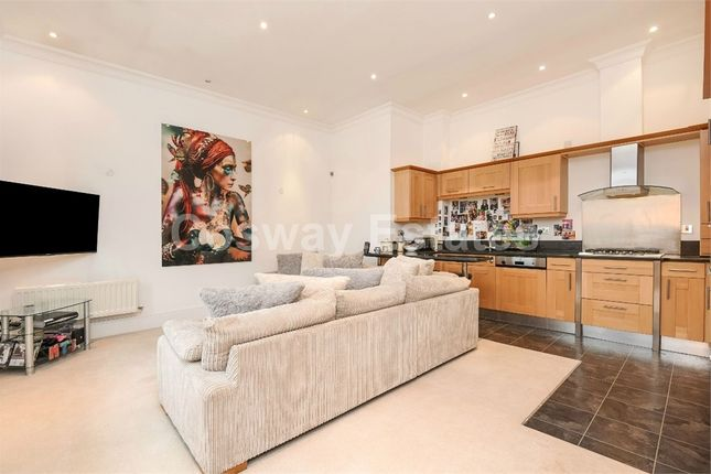 Thumbnail Flat for sale in Littleberry Court, St Vincents Lane, Mill Hill, London