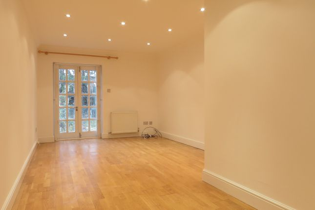 Thumbnail Bungalow to rent in Thurlow Park Road, West Dulwich