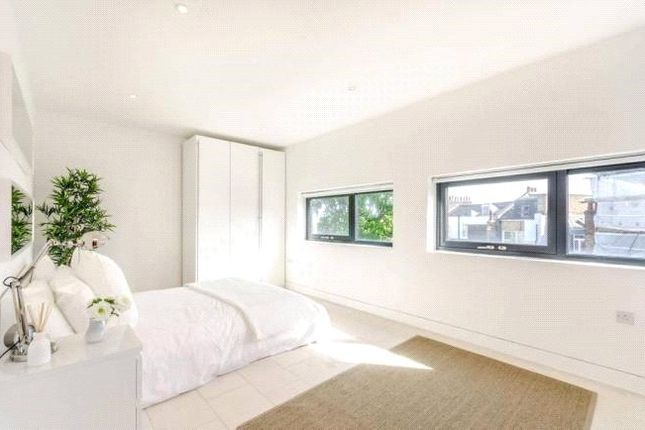 1 bed flat to rent in Latitude House, Oval Road, Camden