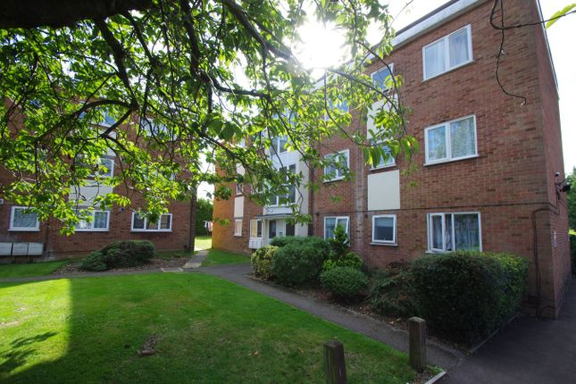 2 bed flat to rent in Buttermere Place, Linden Lea, Leavesden WD25