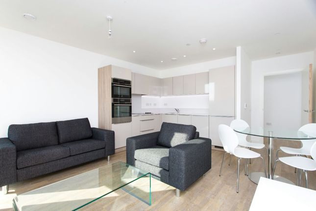 1 bed flat to rent in Apartment, Loop Court, Telegraph Avenue, London SE10
