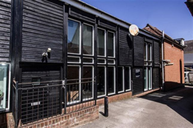 1 bed flat to rent in High Street, Dunmow CM6