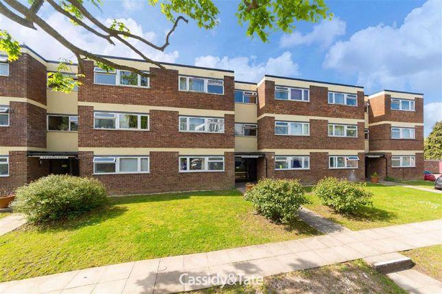 1 bed flat to rent in Devon Court, St. Albans, Hertfordshire AL1