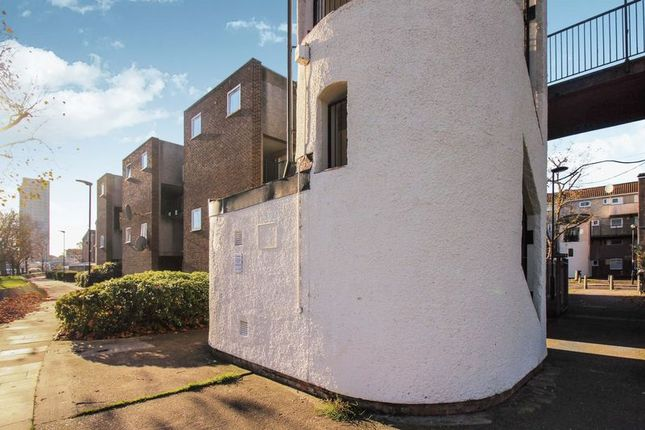 Thumbnail Maisonette for sale in Osward Place, London