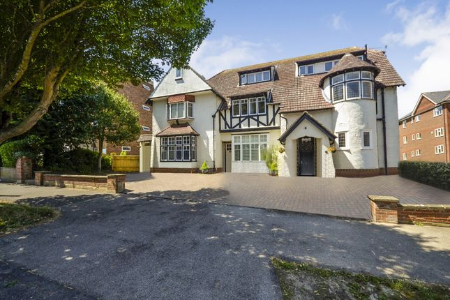 Thumbnail Flat for sale in St Christophers, Sutherland Avenue, Bexhill On Sea