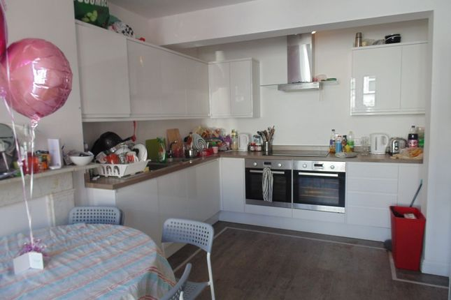Thumbnail Town house to rent in York Grove, Brighton, East Sussex