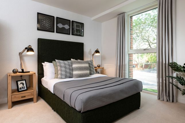 Thumbnail Flat for sale in Lampton Road, London