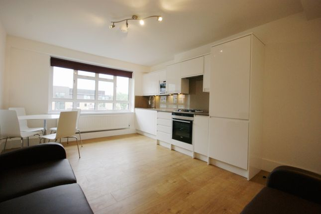 Thumbnail Flat to rent in Sidmouth Street, Bloosmbury, London