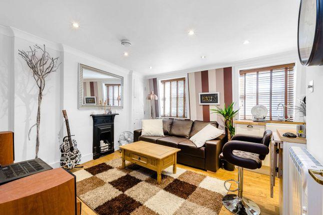Thumbnail Flat to rent in Kings Cross Road, King's Cross