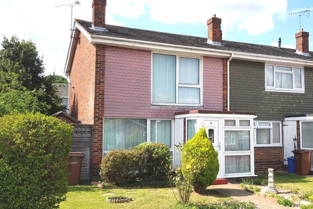 Thumbnail Terraced house to rent in Conrad Close, Rainham Kent