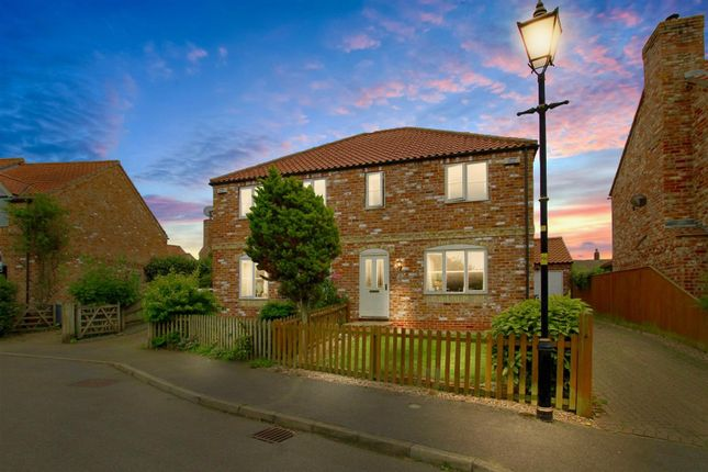 3 bed property for sale in Kings Hill, Caythorpe, Grantham NG32