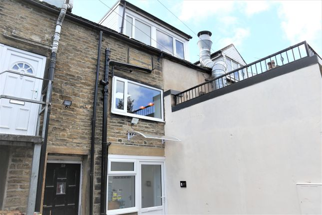 2 bed flat to rent in Burnley Road, Mytholmroyd, Hebden Bridge HX7