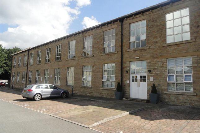 Thumbnail Flat to rent in The Park, Kirkburton, Huddersfield