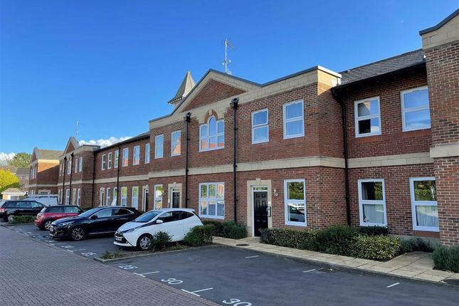 2 bed flat for sale in Clerewater Place, Thatcham, Berkshire RG19