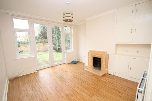 Thumbnail Flat to rent in Manns Road, Edgware, Middlesex