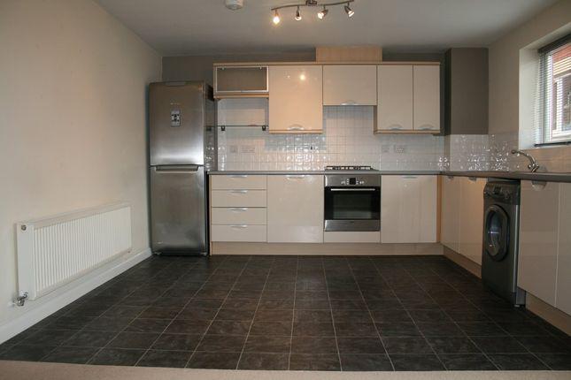 Thumbnail Flat to rent in Greenock Crescent, Wolverhampton